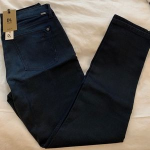 """DL 1961 """"Angel"""" Mid-Rise Skinny Ankle (Size 32)"""